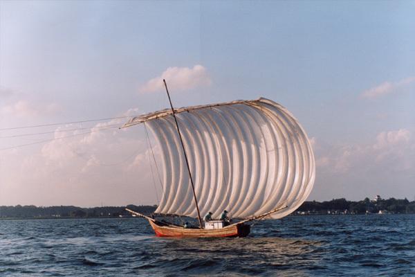 茨城県霞ヶ浦の帆引き船